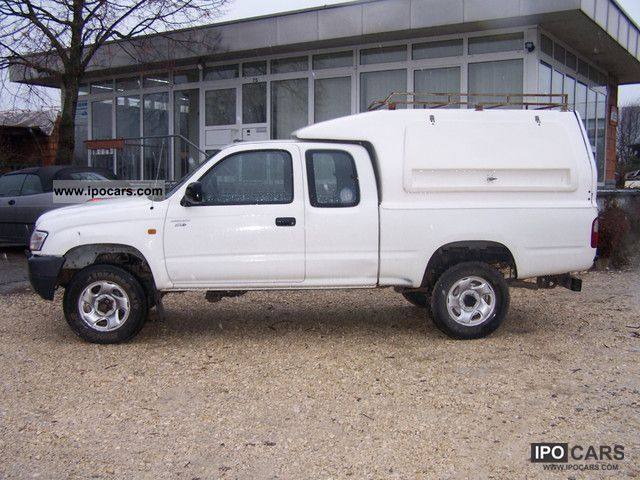 2004 toyota hilux 4x4 xtra cab car photo and specs. Black Bedroom Furniture Sets. Home Design Ideas
