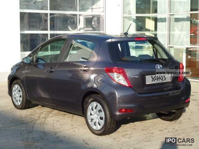 2012 toyota yaris 1 0 vvt i cool air conditioning abs. Black Bedroom Furniture Sets. Home Design Ideas