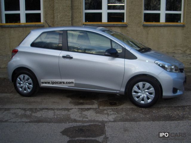 2012 toyota yaris 1 0 vvt i cool with air conditioning. Black Bedroom Furniture Sets. Home Design Ideas