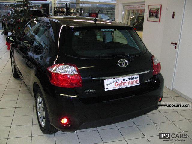 2012 Toyota  Auris 1.33 VVT-i air conditioning, radio CD Limousine Used vehicle photo