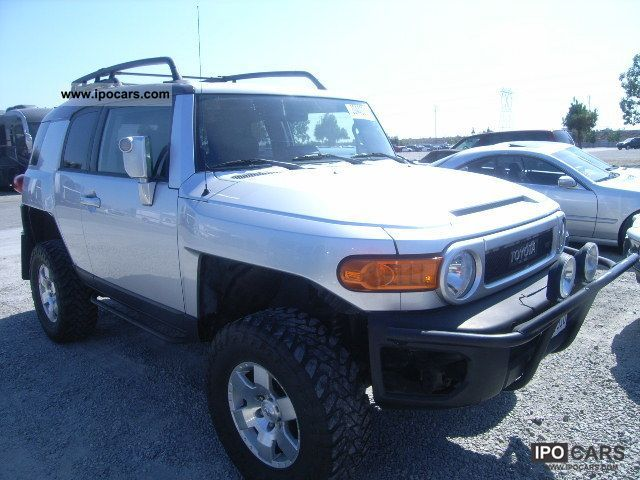2007 Toyota  FJ Off-road Vehicle/Pickup Truck Used vehicle 			(business photo