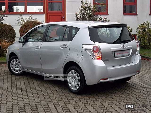 2009 toyota verso 1 6 life 7 seater car photo and specs. Black Bedroom Furniture Sets. Home Design Ideas