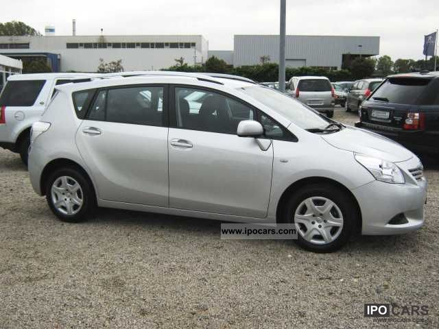2011 Toyota Verso Verso T1 NAVIG. 7-seater (EURO 5) - Car Photo and Specs