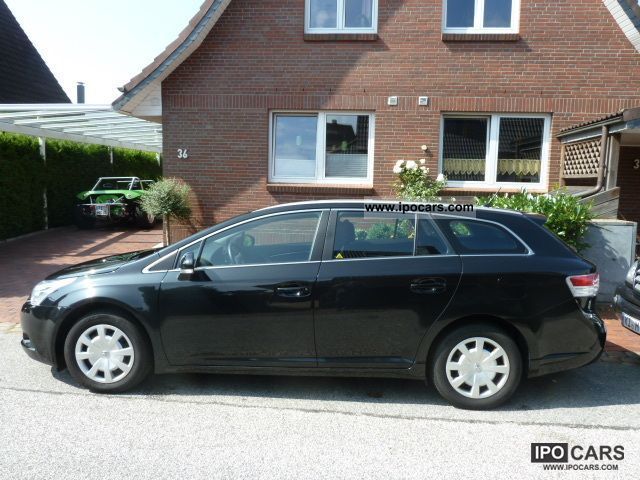 2011 Toyota  Avensis 1.8 Edition GPS Reversing Camera Estate Car Used vehicle photo