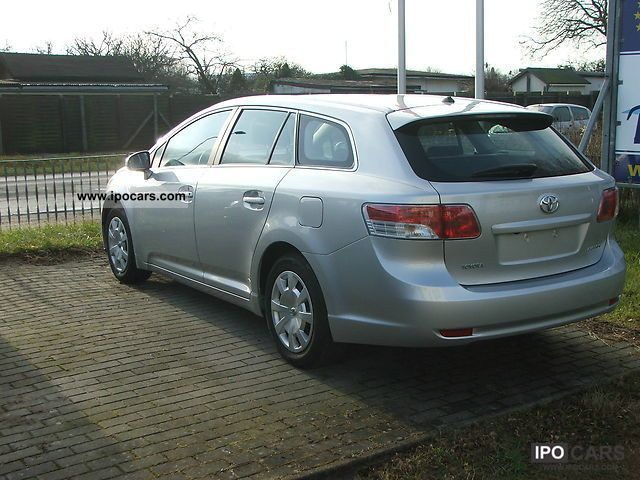 2011 toyota avensis combi 1 8 tx car photo and specs. Black Bedroom Furniture Sets. Home Design Ideas