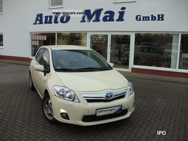 Toyota  Auris 1.8 Life 2011 Hybrid Cars photo