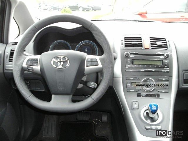 P in addition Toyota Sw Interior besides C B D A B A Aa A C together with  together with Toyota Auris Hybrid Executive Air Mp Cd Lgw. on toyota air conditioning system