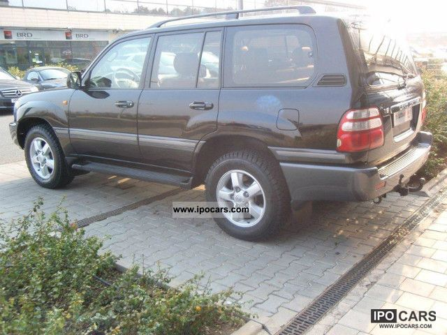2004 toyota land cruiser 100 executive car photo and specs. Black Bedroom Furniture Sets. Home Design Ideas