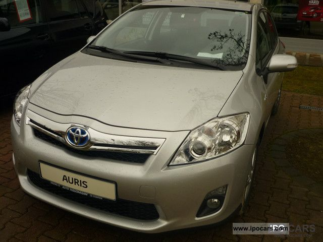 Toyota  Auris hybrid Life 8.1 (dt model!) 2011 Hybrid Cars photo