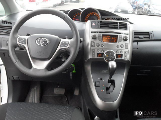 2010 Toyota Verso Diesel Automatic Car Photo And Specs
