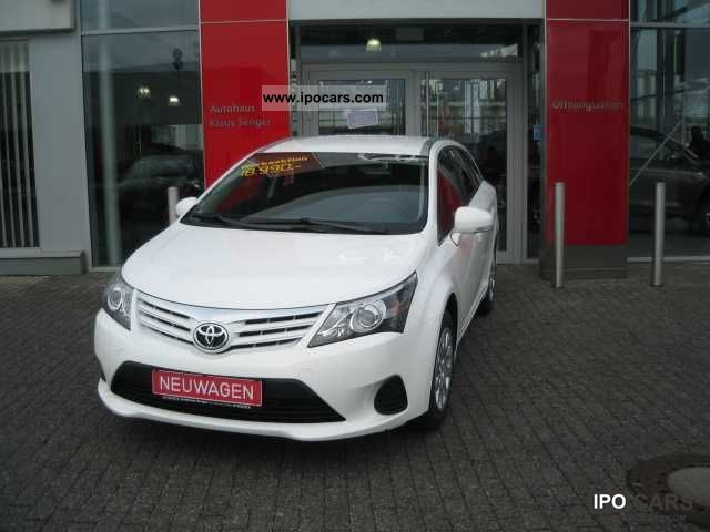 2012 Toyota Avensis Combi 16 Car Photo And Specs