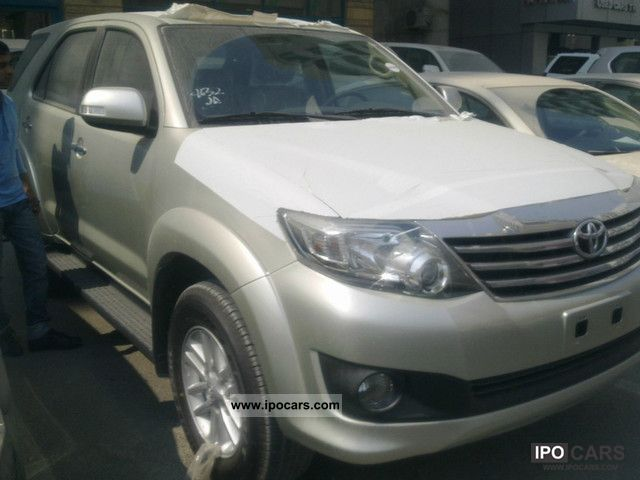2011 Toyota  Landcruiser fortuner Off-road Vehicle/Pickup Truck New vehicle 			(business photo