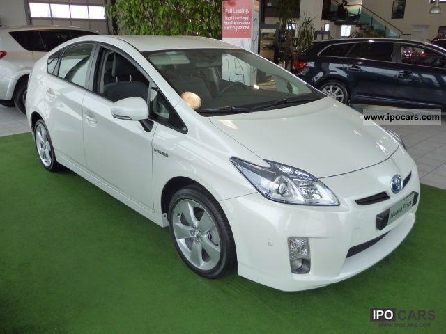 2012 Toyota Prius 1.8 hibrid - Car Photo and Specs