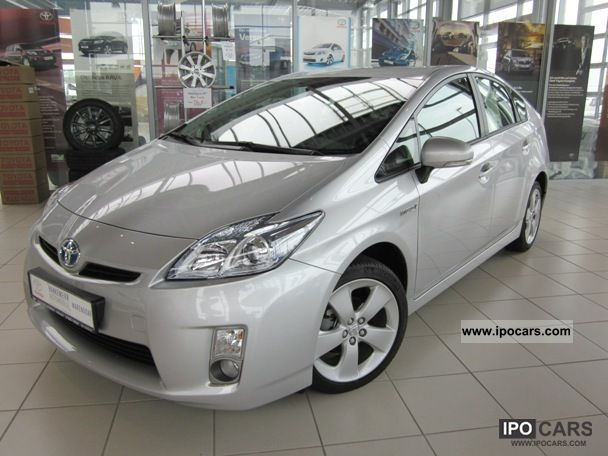 Toyota  Prius 1.8 Life ger cars, now! 2011 Hybrid Cars photo