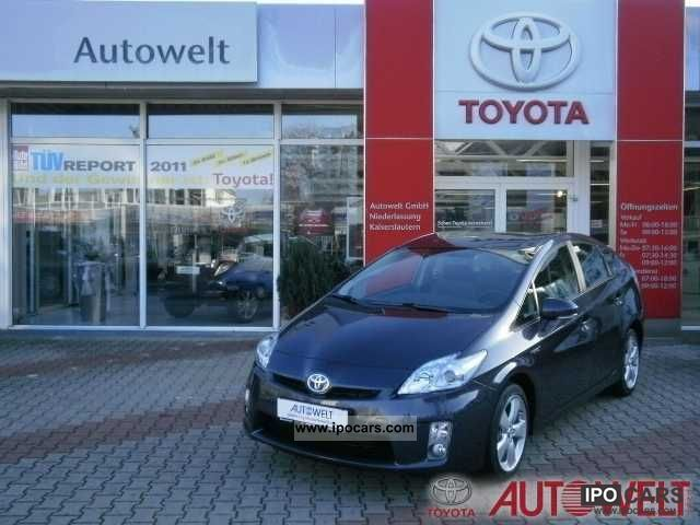 Toyota  Prius (hybrid) Life 2012 Hybrid Cars photo