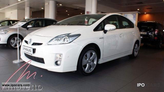 Toyota  Prius 1.8 Lounge 2011 Hybrid Cars photo