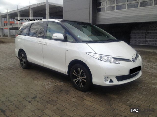 2010 Toyota  2.4 VVT-I EXECUTIVE NAVI FULL AUTOMATIC Van / Minibus Used vehicle photo