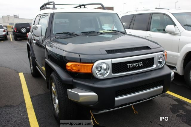 2011 Toyota  FJ Cruiser 4.0 V6 AWD 2012 Off-road Vehicle/Pickup Truck New vehicle photo