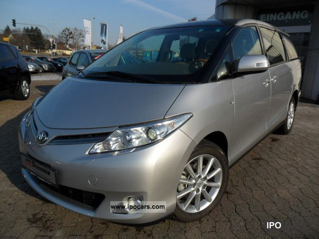 2011 Toyota  2.4 VVT-I Automatic *** XENON / GLASS ROOF / LEATHER *** Van / Minibus New vehicle photo