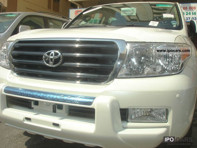 2011 Toyota  LC200, VX-R, A / T Off-road Vehicle/Pickup Truck New vehicle (business photo