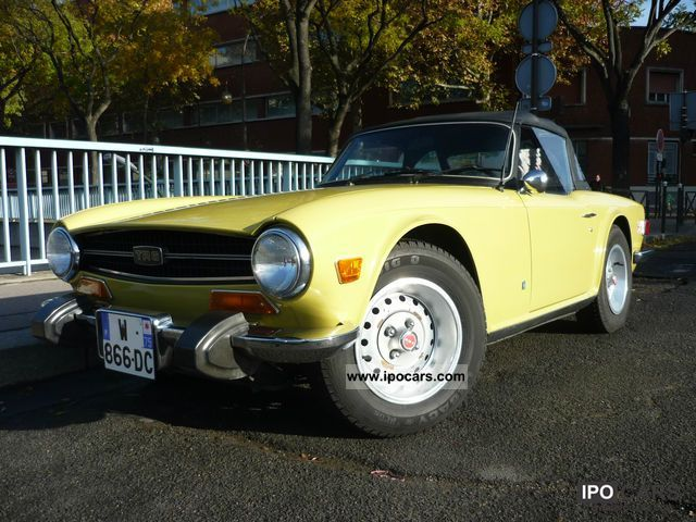 Triumph  2.5L 6 Cylindres 1974 Vintage, Classic and Old Cars photo