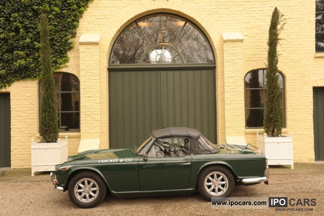 Triumph  TR4 A IRS restored 1967 Vintage, Classic and Old Cars photo