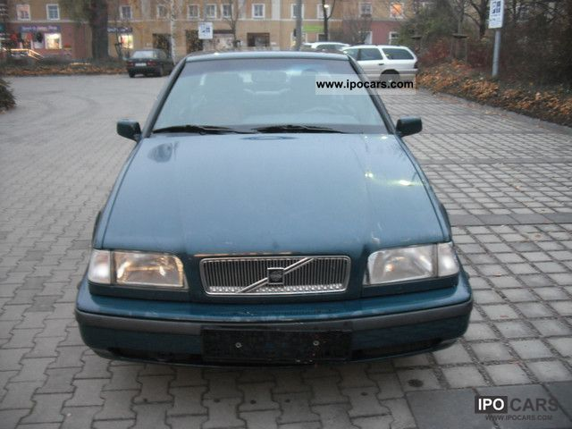 1996 Volvo  460 2.0i Limousine Used vehicle photo