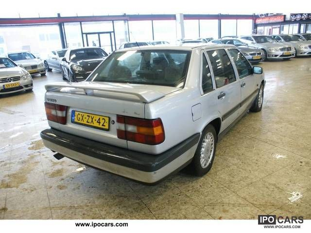 1993 Volvo 850 2.5 GLE - Car Photo and Specs