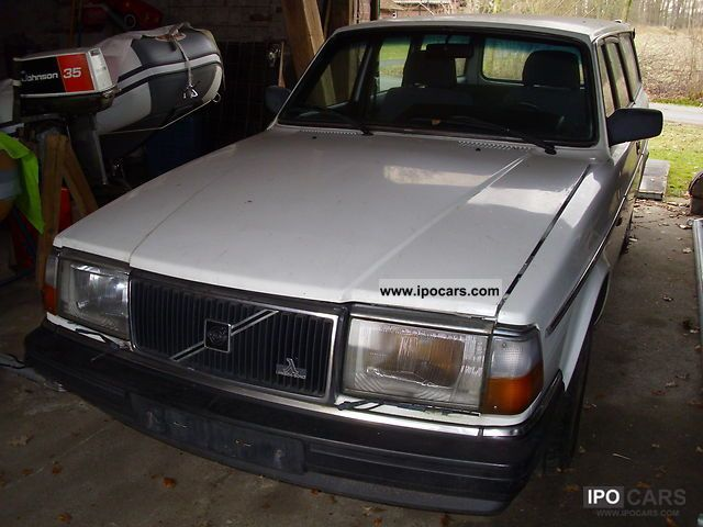 1990 Volvo  240 GL Classic Estate Car Used vehicle photo