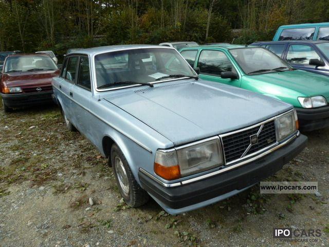 1982 Volvo  244 Limousine Used vehicle photo