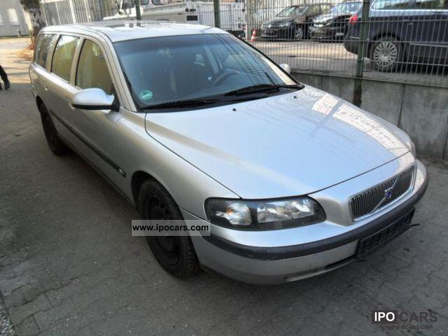 2002 Volvo  V70 2.4 Premium Estate Car Used vehicle photo