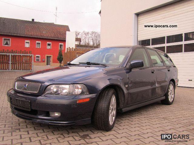 2002 volvo v40 1 9 d sport car photo and specs. Black Bedroom Furniture Sets. Home Design Ideas