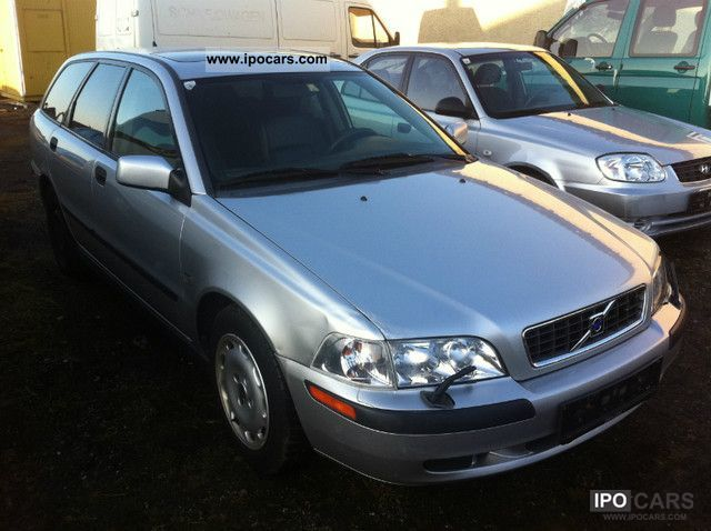 2002 Volvo V40 1.8 Aut. - Car Photo and Specs
