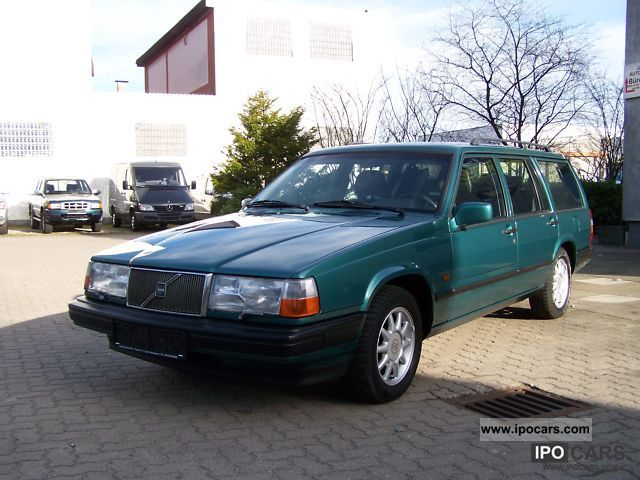 1994 Volvo  2.0i 940 7 seats Estate Car Used vehicle photo