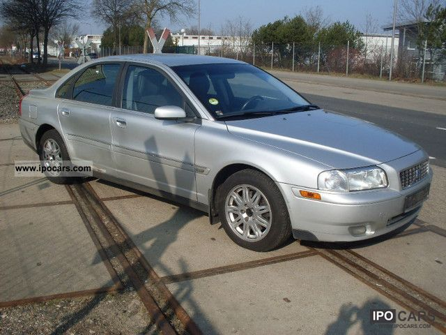 2003 Volvo S80 D5 - Car Photo and Specs
