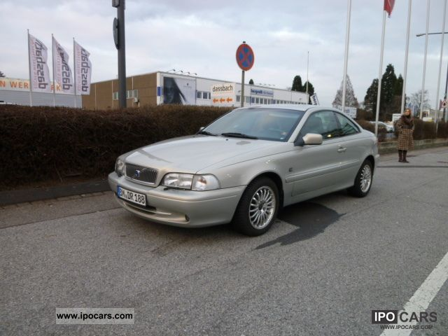 2002 Volvo  C70 2.0T Comfort Sports car/Coupe Used vehicle photo