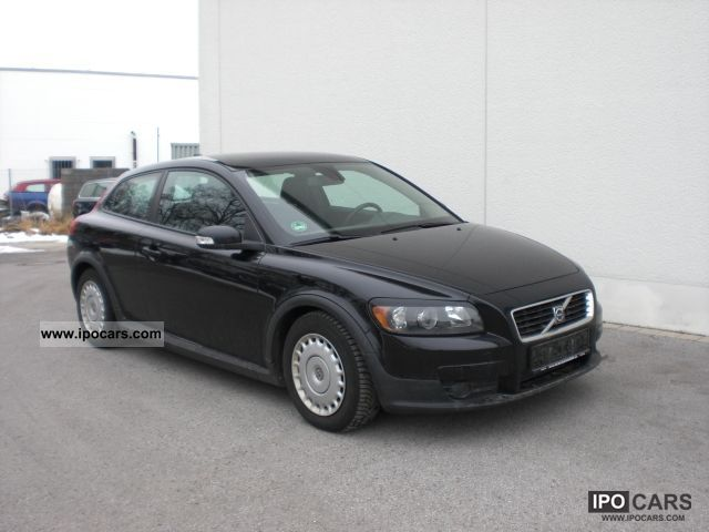 2007 volvo c30 1 6d momentum seat heater aluminum audio car photo and specs. Black Bedroom Furniture Sets. Home Design Ideas