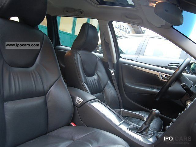 2005 Volvo V70 D5 Summum DPF EGSD, aluminum, telephone - Car