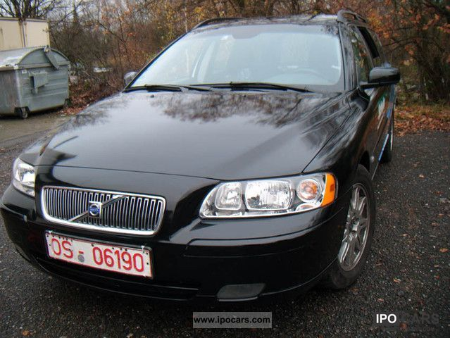 2005 volvo v70 d5 car photo and specs. Black Bedroom Furniture Sets. Home Design Ideas