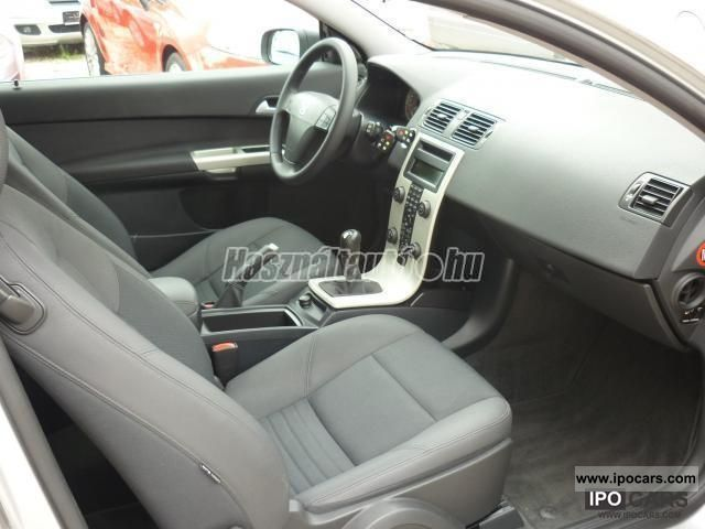 2006 volvo c30 1 6d momentum limousine used vehicle photo 5. Black Bedroom Furniture Sets. Home Design Ideas