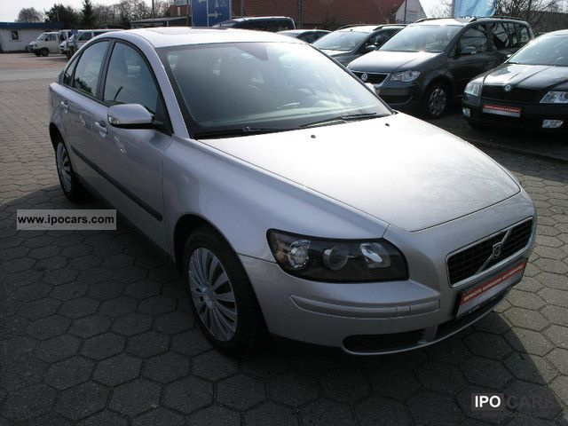 2007 volvo s40 2 0d dpf momentum car photo and specs. Black Bedroom Furniture Sets. Home Design Ideas