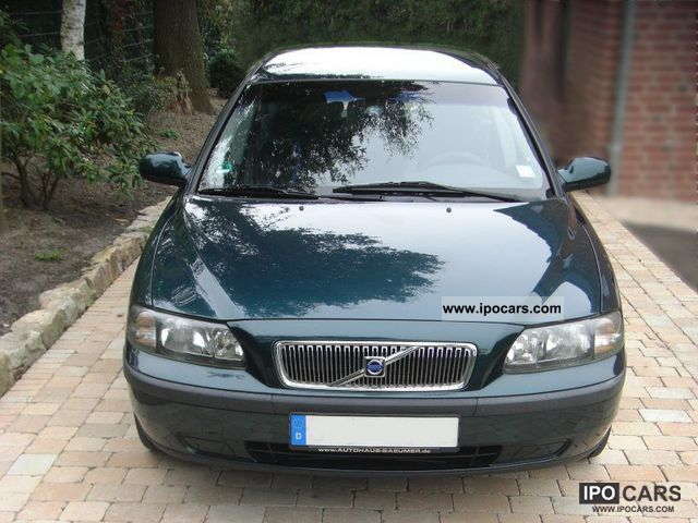 2001 Volvo  2.4 LPG Estate Car Used vehicle photo