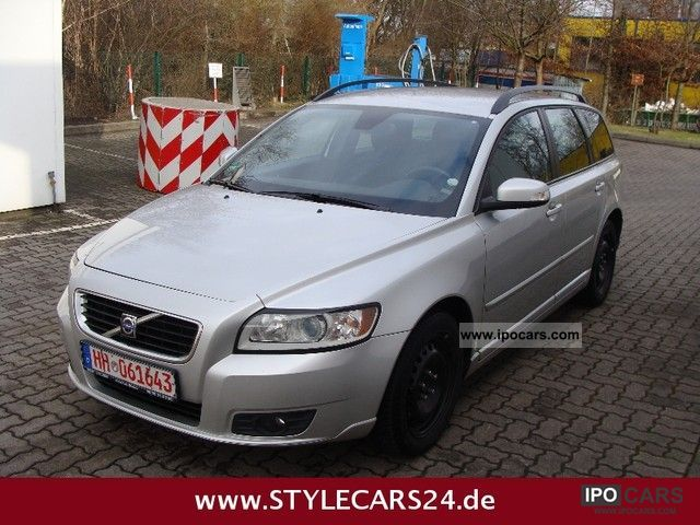 2008 Volvo  V50 2.4i aut. Momentum RTI Navigation - 1.Hand Estate Car Used vehicle photo
