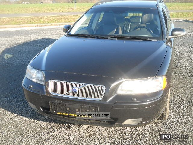 2007 Volvo  V70 D5 DPF Sport Edition Estate Car Used vehicle photo