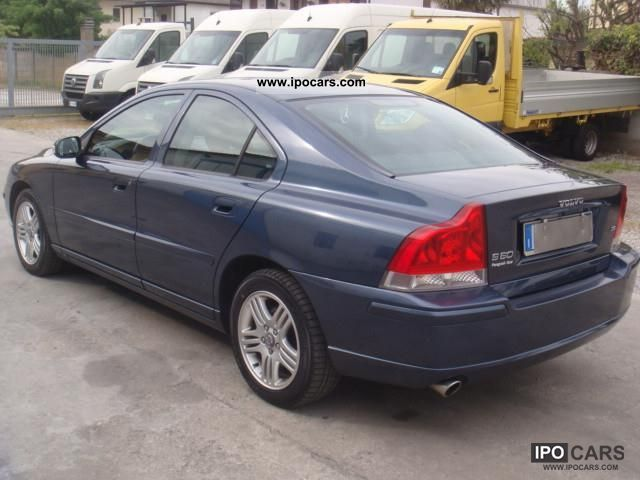 2007 Volvo S60 D5 Momentum - Car Photo and Specs