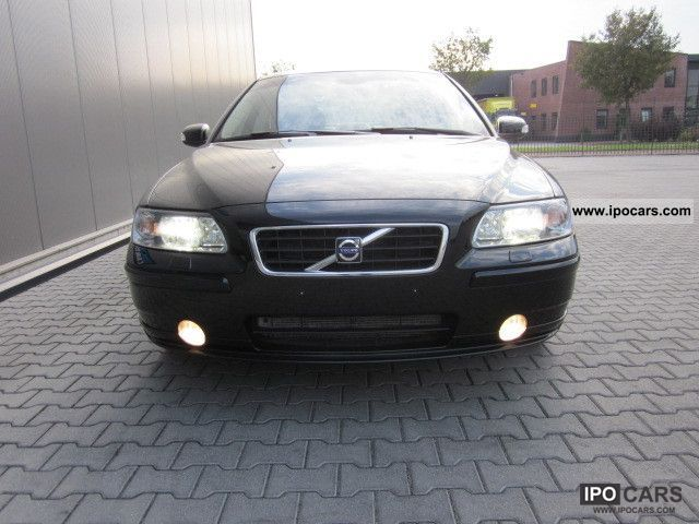 2007 volvo s60 2 5t leather beige momentum air xenon car photo and specs. Black Bedroom Furniture Sets. Home Design Ideas
