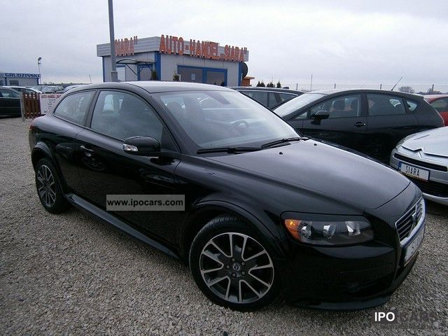 2009 volvo c30 2 0d r design momentum car photo and specs. Black Bedroom Furniture Sets. Home Design Ideas
