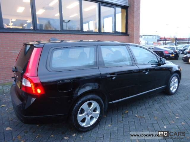 2008 Volvo V70 D5 Momentum NW.MOD / BLACK SPACE / LMV / PDC - Car Photo and Specs