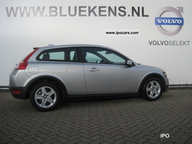 2009 Volvo  C30 1.6D Momentum Small Car Used vehicle photo