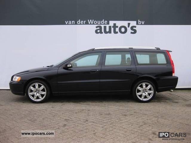 2007 Volvo  V70 D5 Sport Edition II 185pk-NAVI-SPACE Estate Car Used vehicle photo